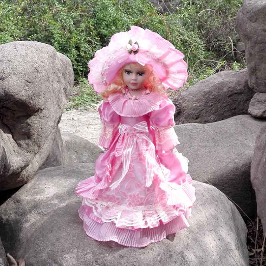 Фарфоровая кукла Анна